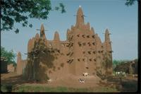 Middle Niger, Mali: a mosque in Mopti