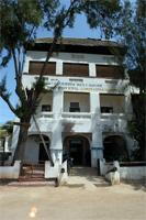 Stereoscopic photograph building in Lamu: Hotel Casarina, Kenya