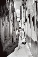 A narrow street in Lamu in the 1950s.