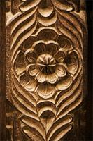 Floral designs on a Lamu door.
