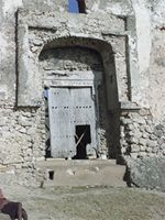 Stereoscopic photograph of the main gate of the Gereza in Kilwa Kisiwani, Tanzania