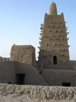 Image of the main tower and open courtyard of Djingereyber in Timbuktu, Mali